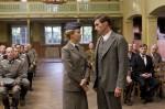 Elke (Stefanie Stappenbeck) soll als wichtige Zeugin vor Gericht aussagen, doch die junge Frau zögert. Einzig Simon (Benjamin Sadler) vermag sie zu überzeugen.