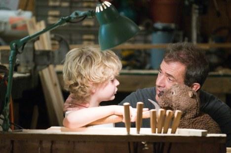 Der Biber: Trailer und Inhalt zum Film mit Mel Gibson - Kino News