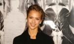 Jessica Alba hasst Kleider-Anproben - Promi Klatsch und Tratsch