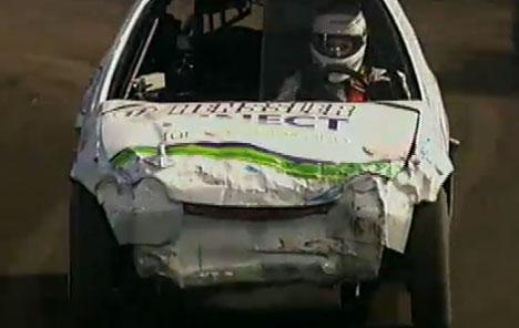 "1. Lauf 3000 ccm bei der ""TV Total Stock Car Crash Challenge 2011"" - TV News"
