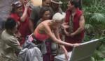 Dschungelcamp 2012: Ailton und Brigitte haben Spaß bei der Schatzsuche