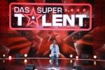 Das Supertalent 2012: Pierre Christian Bakotessa Kobolo hat den Gänsehauteffekt auf seiner Seite! - TV