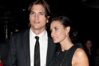 "Ashton Kutcher and Demi Moore - ""No Strings Attached"" Los Angeles Premiere"