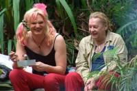 Dschungelcamp 2013: Helmut Berger pinkelt in den Busch und Silva Gonzalez ist zu laut!