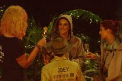 Dschungelcamp 2013: Joey Heindle trinkt nicht gern vor der Kamera!