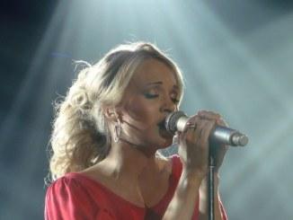 Carrie Underwood wird auf Flügen emotional - Musik