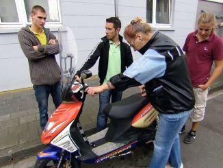 """Die Wollnys - Eine schrecklich große Familie!: Die """"Söhne"""" helfen! - TV"""