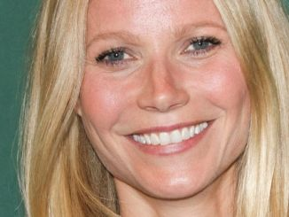 "Gwyneth Paltrow ""It's All Good: Delicious, Easy Recipes That Will Make You Look Good and Feel Great"" Book Signing at Barnes & Noble"