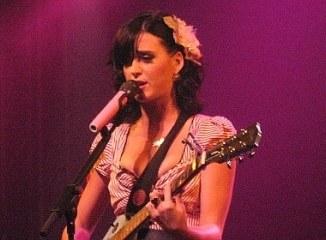 Katy Perry träumt von eigener Mode-Linie - Promi Klatsch und Tratsch