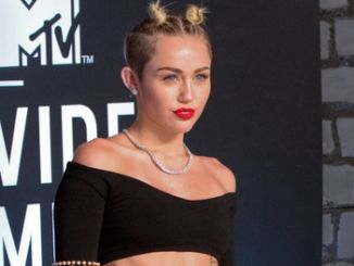Miley Cyrus - 2013 MTV Video Music Awards thumb