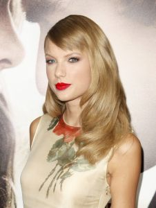 """Taylor Swift - """"Romeo and Juliet"""" Los Angeles Premiere"""