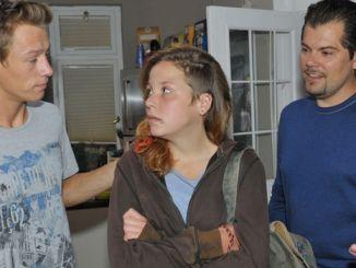 Vince (Vincent Krüger, l.), Mieze (Franziska van der Heide) und Leon (Daniel Fehlow)