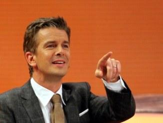 Linke-Führung lädt Moderator Markus Lanz zum Versöhnungsgespräch - TV News