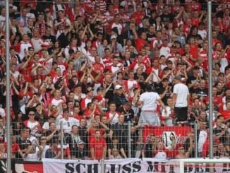 Fettes Brot fasziniert vom Fußball im Stadion - Promi Klatsch und Tratsch