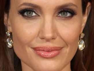 Angelina Jolie: Internet zu gefährlich! - Promi Klatsch und Tratsch