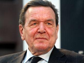 Beckmann dreht Dokumentation über Altkanzler Schröder - TV