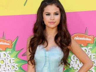 Selena Gomez - Nickelodeon's 26th Annual Kids' Choice Awards