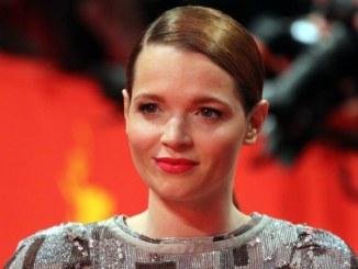 Karoline Herfurth: Ich bin ein Sesselpupser - Promi Klatsch und Tratsch