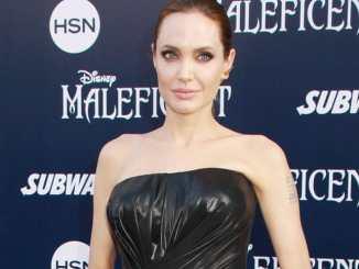 Angelina Jolie streitet mit der Schwiegermutter - Promi Klatsch und Tratsch