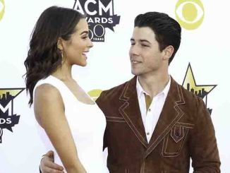 Olivia Culpo unterstützt Nick Jonas - Promi Klatsch und Tratsch