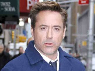 "Robert Downey Jr - ""Late Show with David Letterman"" - April 23, 2015"