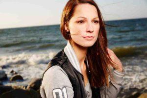 Christina Stürmer mag Gartenarbeit - Promi Klatsch und Tratsch