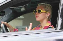 Miley Cyrus: Schreibt sie ein Theaterstück mit Liam Hemsworth?