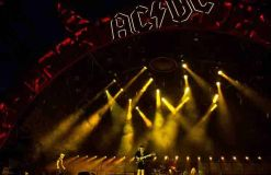 """Foo Fighters"" gedenken Malcolm Young musikalisch"