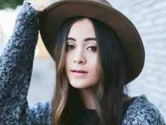 """Jasmine Thompson: """"Versuche, die neue Person nicht zu hassen"""" - Musik News"""