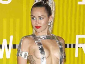 Miley Cyrus - 2015 MTV Video Music Awards