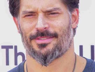 "Joe Manganiello - Entertainment Industry Foundation Hosts 2015 ""Think It Up Education Initiative"" Telecast for Teachers and Students"