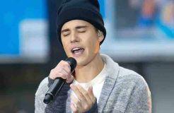 "Justin Bieber: Mit Kater beim ""V Festival"""