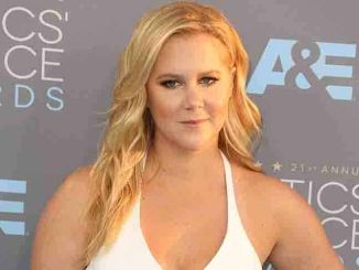 Amy Schumer - The 21st Annual Critics' Choice Awards