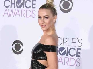 Julianne Hough - People's Choice Awards 2016