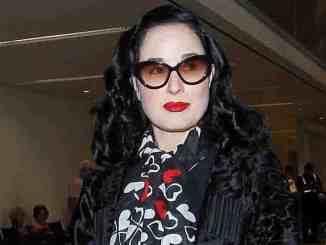 Dita von Teese sieht sich nicht als Sängerin an - Musik News