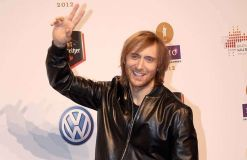 """David Guetta dankt Fans für """"This One's For You"""""""