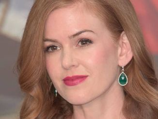 "Isla Fisher - ""Alice Through the Looking Glass"" UK Premiere"