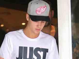 Justin Bieber: Milchglas bringt 66.000 Pfund ein - Promi Klatsch und Tratsch