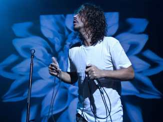 """Soundgarden"": Witwe von Chris Cornell über ""Live From The Artists Den"" - Musik News"