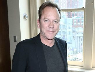 "Kiefer Sutherland ""Down in a Hole"" Album Signing at Barnes & Noble in New York on August 13, 2016 - 2"