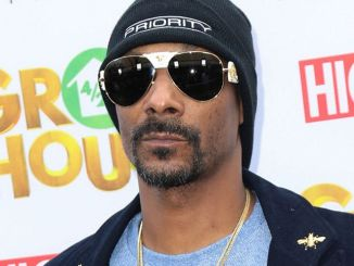 "Snoop Dogg - ""Grow House"" Los Angeles Premiere"