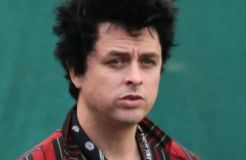 """Green Day"": Billie Joe Armstrong kreiert eigenes Kosmetik-Produkt"