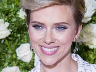 Scarlett Johansson ist nur oberflächlich erotisch - Kino