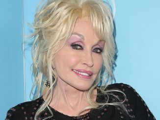 Dolly Parton - Variety and Women In Film's 2017 Pre-69th Annual Primetime Emmy Awards Celebration - 3