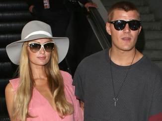 Paris Hilton: Hochzeitseinladung für Kim Kardashian - Promi Klatsch und Tratsch