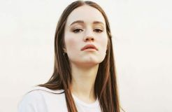 Sigrid: Debütalbum und Single