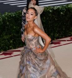 Ariana Grande fährt mit James Corden durch die Gegend - TV News