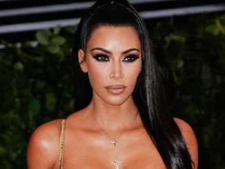 Kim Kardashian und die Schuppenflechte - Promi Klatsch und Tratsch