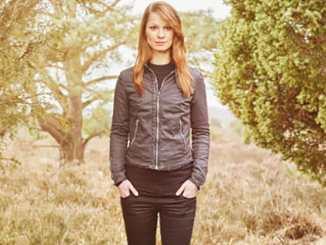 """Christina Stürmer über ihr Album """"Überall zu Hause"""" - Musik News"""