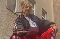 "Shirin David erhält ""Nr. 1 Award der Offiziellen Deutschen Charts"""